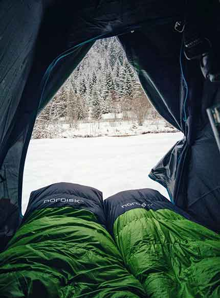 How to keep a tent warm in cold weather