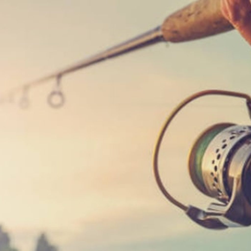 Fly Fishing Vs Spin Fishing What Is The Ultimate Choice